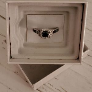 Jewelry - Black diamond and white gold engagement ring